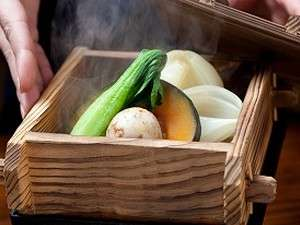 いこい旅館月替わり地野菜の美人湯温泉蒸し