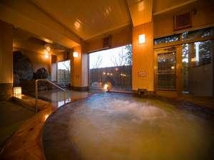 桧の香る大浴場