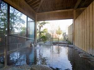 「千両の湯」は、内湯の外に露天風呂があります。温泉はもちろん全てかけ流し!