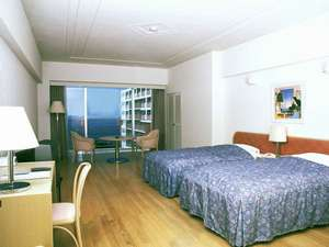 ホテルマハイナウェルネスリゾートオキナワ:【スタンダードツイン】全室オーシャンビュー&バルコニー付。快適なリゾートライフを過ごせます