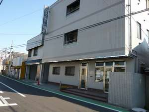 ビジネスホテル岡本越谷店施設全景